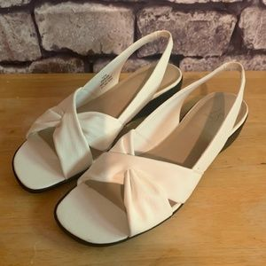 Lifestride White Sandals Size 7 1/2